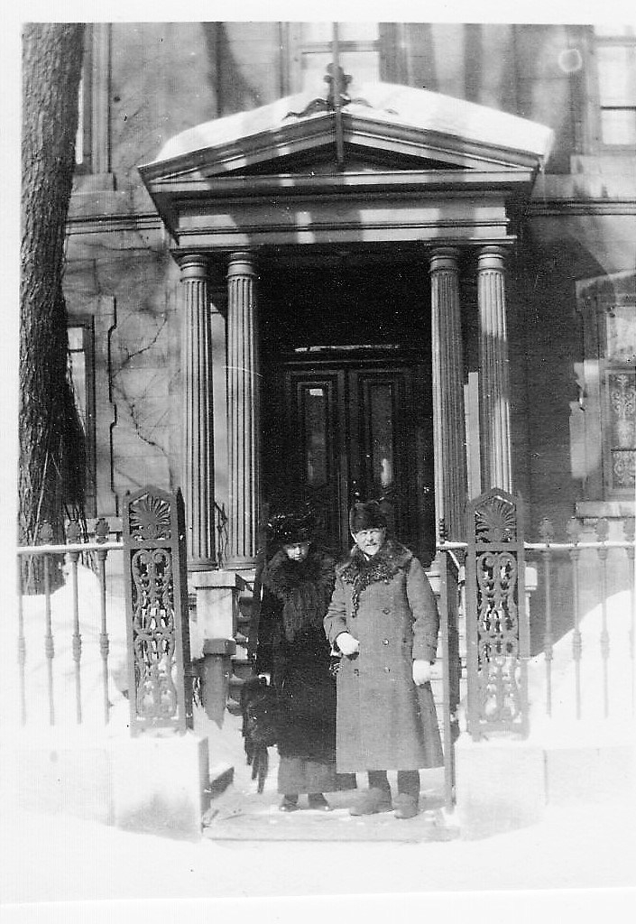 Mr & Mrs R Lindsay - 6 Prince of Wales Terr -1917