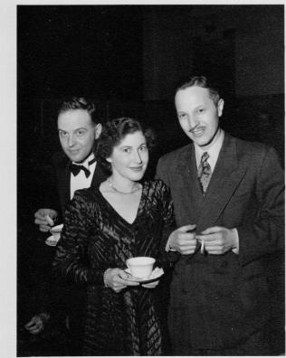 Bob, Mary and Maxwell Wray