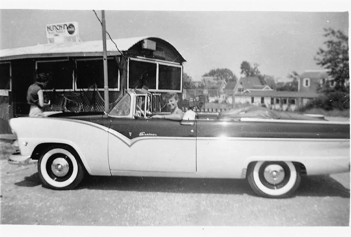 1955-07 Kay convertible Provincetown (3)